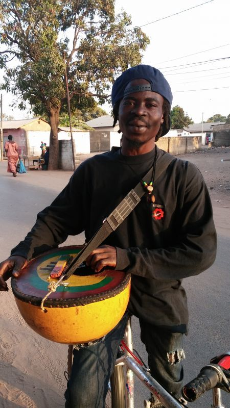 ギニア人 IN GAMBIA