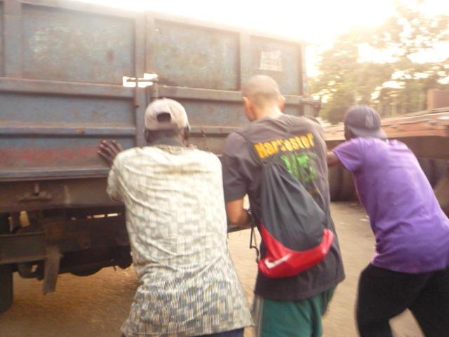 ギニア自動車事情